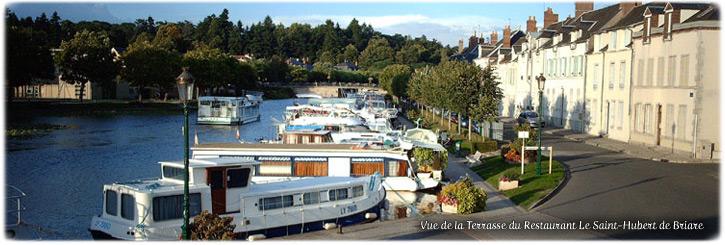 Vue de la terrasse du Restaurant Le Saint-Hubert de Briare (45250, Loiret, France)